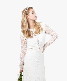 Kingsley Crown - www.asoneweds.com #weddinghair #weddingcrown #weddingheadband #weddinghairstyle