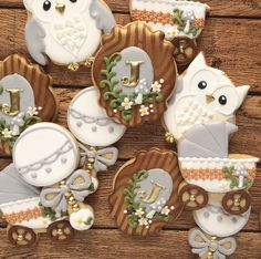 "111 Likes, 14 Comments - Amanda Morris (@amandadesign) on Instagram: ""NEUTRAL + WOODLAND . . . . . . . #cookies #sugarcookies #royalicing #decoratedcookies…"""