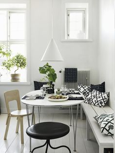 Nordic dining area full of Finnish design with a birch Aalto chair by Artek, tableware, tea towel and pillows by Marimekko. Decor, Swedish Interiors, Room Design, Beige Living Rooms, Interior Design Blog, Interior Design, Home And Living, Swedish Interior Design, Living Room Designs