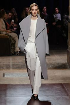 Mode à Paris FW 2014/15 – Hermès. See all fashion show on: http://www.bmmag.it/sfilate/mode-paris-fw-201415-hermes/ #fall #winter #FW #catwalk #fashionshow #womansfashion #woman #fashion #style #look #collection #modeaparis #hermes @Hermès