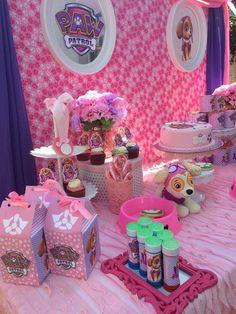 Creativa idea de decoración para cumpleaños de la Patrulla Canina. #party#fiesta #Pawpatrol