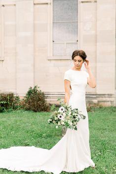 Church Wedding Catholic, Catholic Wedding Dresses, Gold Wedding Gowns, Church Wedding Flowers, Church Ceremony, Black Tie Wedding, Best Wedding Dresses, Wedding Pins, Wedding Ideas