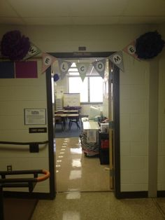 Books, Bows and Burlap: Classroom Tour