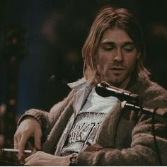 Kurt Cobain Quotes, Nirvana Kurt Cobain, Nirvana Songs, Foo Fighters Dave Grohl, Kurt And Courtney, Donald Cobain, Mtv Unplugged, Grunge, Beautiful Songs
