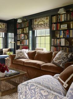 Reading room decor inspiration to make you cozy 00024 living Reading Room Decor, Living Room Decor, Living Room Designs, Living Spaces, Living Rooms, French Country Living Room, Home Libraries, Cozy House, Cheap Home Decor