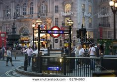 Piccadilly tube (End of London Walk #4)