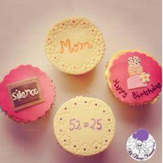 Happy birthday mommy #birthday #happybirthday #cupcakes #cake #tieredcake #teacher #blackboard #atyummy #customisedcupcakes #flowers #cuppies #delhibakery #desserts #chalk #students #schoolteacher #polkadots #mommy