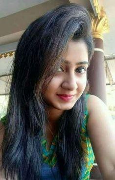 cute girl pic with status Beautiful Girl In India, Beautiful Blonde Girl, Beautiful Girl Photo, Beautiful Women, Beautiful Models, Cute Girl Image, Cute Girl Pic, Stylish Girls Photos, Stylish Girl Pic