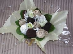 The Bouquets contains :- ~~~~~~~~~~~~~~~~~~~~ 5 x Pairs of Ladies socks size Artificial Leaves Artificial flowers Tissue paper, cellophane wrap and curling ribbon to finish. Ladies Socks, Cellophane Wrap, Get Well Gifts, Tissue Paper, Artificial Flowers, Bouquets, Ribbon, Pairs, Leaves