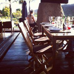 Mestizo Cata, Outdoor Furniture, Outdoor Decor, Stuff To Do, Table, Home Decor, Mongrel, Decoration Home, Room Decor