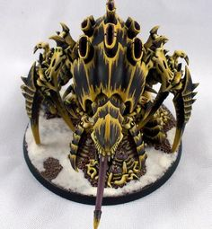 The more Tyranids I see the more I want to paint some of them. tumblr_mamtnddsDv1rgfzpco1_500.jpg (500×541)