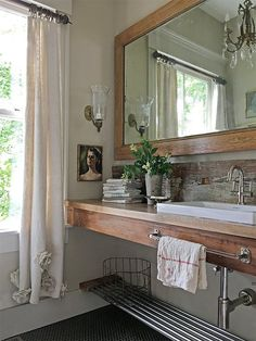 Old Silver Shed: Paint Color Style-Guide Cape Cod, Quirky Bathroom, Bathroom Ideas, Bathroom Plants, Small Bathroom, Master Bathroom, Cottage Bath, Cozy Cottage, Shed Homes