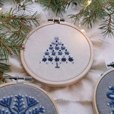 Hand Embroidery Patterns Flowers, Christmas Embroidery Patterns, Hand Embroidery Videos, Embroidery Stitches Tutorial, Embroidery Sampler, Simple Embroidery, Hand Embroidery Designs, Christmas Tree, Xmas