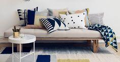 tecidos, cores, tamanhos e estampas diferentes:  veja como combinar almofadas da maneira certa e inspire-se com ambientes e modelos para a sua casa ;)