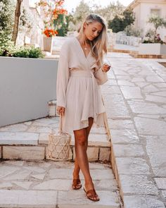 A Grecian inspired dress for our first evening in Fiskardo ✨ It's made from Recycled polyester, and I'm so impressed with the quality! Smart Casual Women Party, Classy Outfits, Stylish Outfits, Glamorous Outfits, Work Outfits, Fashion Mumblr, Spring Fashion, Fashion Ideas, Fashion Tips For Women