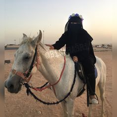 """Your Life is Your Message To tHe WoRLd, Make it iNSPiRiNG ‼️"" -DrBilalPhilips- . . #Hijab #Hijabers #Niqab #Niqabi #Abaya #MiddleEast #Arabia #Desert #PadangPasir #HorseRiding #Kuda #HeadBand #HijabHeadband #Muslim #Muslimah #Islam"