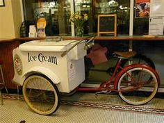 Old Fashioned Ice Cream Bike Retro Bicycle, Old Bicycle, Old Bikes, Dream Ice Cream, Ice Cream Man, Old School Candy, Ice Cream Business, Bike Cart, Bike Food