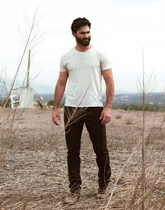 How to call this page? - Tyler Hoechlin photographed by Natan Seabrook - Derek Teen Wolf, Stiles Derek, Teen Wolf Boys, Tyler Hoechlin, Logan Lerman, Handsome Male Models, Jake Miller, Jesse Williams, Kendall Schmidt