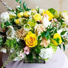 Fresh florals, seasonal florals and flower arrangements from our Santa Monica florist for flower delivery across Los Angeles, delighting those with impeccable tastes. Flower Delivery, Floral Arrangements, Table Decorations, Friends, Flowers, Design, Amigos, Flower Arrangement