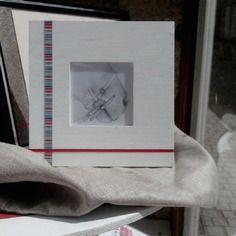 """Tableau """"Détail Mors Dessin s/s verre, avec cadre bois et rubans 18 x 18 cm"""