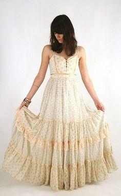 Hippie vintage Gunne Sax Dress Fluttering Victorian Prairie Dress