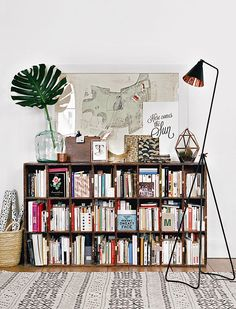 Decorating a bookshelf can require a lot of time, dedication, and a ton of beautiful objects. Take bookshelf styling inspiration for your own at home library from these popular interior designers. French Apartment, Apartment Design, Apartment Therapy, Vintage Apartment, Apartment Office, Parisian Apartment, Apartment Living, Sweet Home, Interior And Exterior