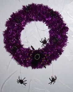"""DIY Halloween Decor DIY Halloween Crafts : DIY  Spooky Spider Wreath"" @Macie Sanders"