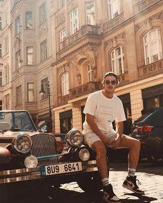 Boran Kuzum (@borankuzum) • Instagram photos and videos Most Handsome Actors, Hot Actors, Turkish Men, Turkish Actors, Taylor Hill Hair, Beatiful People, Dream Library, Lyric Art, Selfie Poses