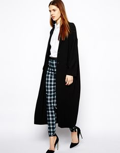 Duster coat. Love this whole look for winter!