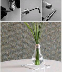 DIY Bud Vase Out of an Old Light Bulb!