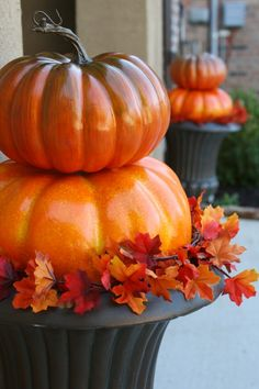 Quick and Easy Outdoor Pumpkin Topiaries* Fall Topiaries, Pumpkin Topiary, Fall Planters, Garden Planters, Autumn Decorating, Pumpkin Decorating, Decorating Ideas, Decor Ideas, Fall Projects