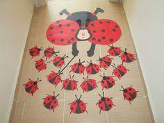 ladybug craft idea for preschool - Preschool CraftsPreschool Crafts Door Decoration For Preschool, Kindergarten Classroom Decor, Preschool Crafts, Summer Crafts For Toddlers, Toddler Crafts, Diy For Kids, Lady Bug, Ladybug Crafts, Mobiles