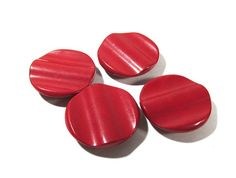 Nice >> RED Bakelite Buttons VINTAGE Bakelite Catalin Buttons Purple BAKELITE Buttons Molded 4 (four) Classic Button Jewellery Provides (G43)