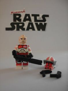 Lego Star Wars minifigures - Clone Custom Commander Thorn- with all wpns shown. With a weapon like that he is a Thorn! Star Wars Clone Wars, Lego Star Wars, Custom Lego Clone Troopers, Lego Guns, Lego Clones, Lego Army, All Lego, Star Wars Minifigures, Star Wars Party