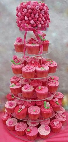 stunning cupcakes #wedding  www.tablescapesbydesign.com https://www.facebook.com/pages/Tablescapes-By-Design/129811416695