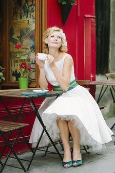 noni 2014   noni 2014 liza- rockabilly brautkleid in tea length mit petticoat und uboot ausschnitt (www.noni-mode.de - Foto: Le Hai Linh)