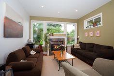 Confira esse anúncio incrível no Airbnb: Private Family Home and Garden em Victoria