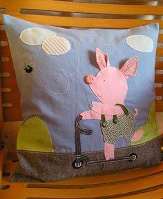 Buzzing with Piglet - pillow | Flickr: Intercambio de fotos