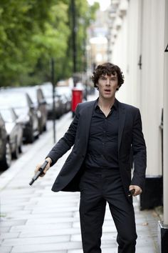 Find images and videos about sherlock, benedict cumberbatch and holmes on We Heart It - the app to get lost in what you love. Sherlock Holmes Bbc, Sherlock Fandom, Sherlock Holmes Wallpaper, Sherlock Holmes Dibujos, Sherlock Bbc Quotes, Sherlock Bbc Funny, Sherlock Season, Sherlock John, Disney Films