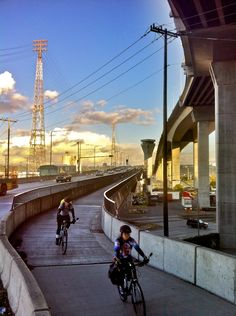 During the viaduct shutdown, people opted to ride bikes, many taking the lower level Spokane Street Bridge.