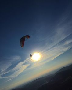 #gpmundo gopro_thebest #GoPro_Epic #naturegeography #biggest_travel #sunset_vision #Brazil_Repost #GoPro_Boss #EnjoyOutdoors #photo #adventure #paraglaider #sunset #skycolors #sun #flying #gopro by mzzini http://bit.ly/AdventureAustralia