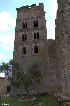 Monasterio de Sant Miquel de Fluvià. Siglos XI-XII. Girona.