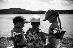 from @melinda.foster  Teaching the wee one big kid talk. So sweet!!  #infinity_children #top_bnw #rsa_bnw #bnw_demand #bnw_umbria #bnw_planet #simplychildren #princely_bw #ourchildrenphoto #ae_bnw #ig_great_shots_bnw #kids #bnw_lombardia #igworldclub_bnw #jj_mobilephotography #bnw_kings #amateurs_bnw #ig_shotz_bw #bnw #bnw_rose #bnw_life_shots #jj_blackwhite #blacknwhite_perfection #tgif_bnw #pocket_bnw #show_us_bw #noir_shots #bw_addiction #ig_contrast_bnw #loves_noir