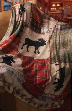 Lodge Moose Fleece Blanket- make as bed spread! Cabin Homes, Log Homes, Moose Lodge, Moose Decor, Bed Platform, Lake Cabins, Little Cabin, Cozy Cabin, Rustic Decor