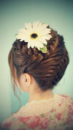 fishtail braid updo <--- okay actually this is a french braid spiral updo Pretty Hairstyles, Braided Hairstyles, Braided Updo, Hairstyle Ideas, Natural Hair Styles, Long Hair Styles, Great Hair, Hair Today, Hair Dos