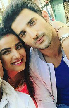 Jasmin & Sidhant on the set of Tashan E Ishq