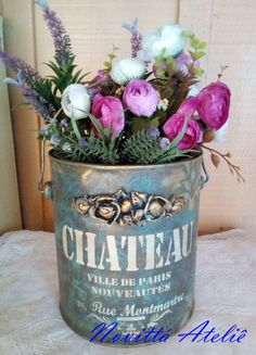 Tin Can Crafts, Diy And Crafts, Biscuit, Altered Tins, Paris Ville, Painting On Wood, Party Planning, Glass Vase, Planter Pots
