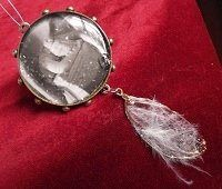 ❥ I Can Fill That With Resin: Out-of-the-Ordinary Bezel Ideas Plus Five Resin Jewelry-Making Tips