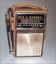 The leather case radio. An AM/FM radio that had a handle to carry, and a retractable antenna. I remember going to the beach, and my mom taking it. My Childhood Memories, Childhood Toys, Great Memories, 1970s Childhood, School Memories, Childhood Images, Cherished Memories, Radios, Photo Vintage