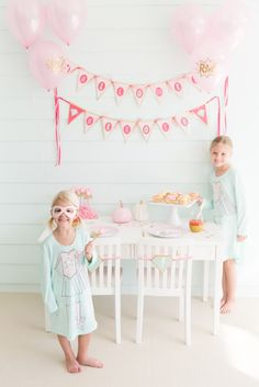 Beth & Danielle of Palm Beach Lately went with an adorable pink superhero party for their little ones! Naturally, we love the pastel palette, but we also love that this superhero kids party is all about the supergirls! Kids Party Themes, Birthday Party Decorations, Party Ideas, Superhero Birthday Party, Birthday Bash, Party Rock, Party Fun, Party Time, Gifted Kids